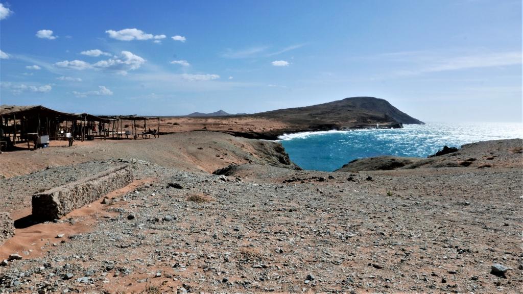 Desde lo alto del Cerro Pilón de Azúcar se tienen preciosas vistas del choque mar y tierra.