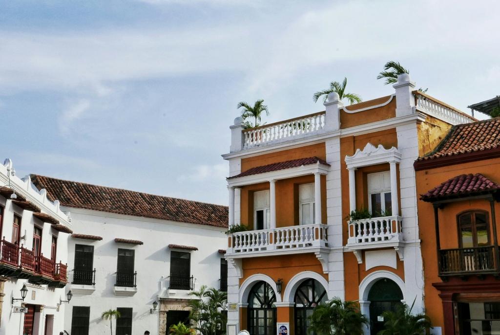 Edificio colonial en la Plaza de la Aduana