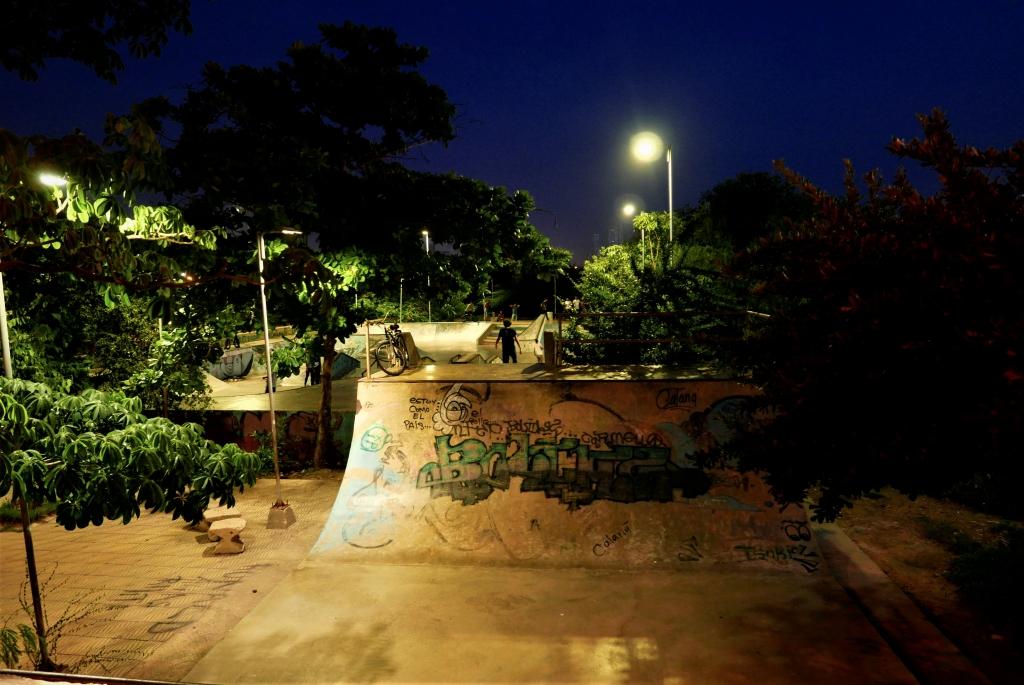Skatepark a las afueras del centro