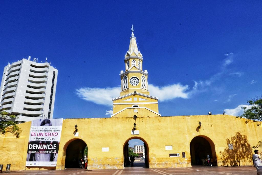 Torre del Reloj en la Plaza de los Coches