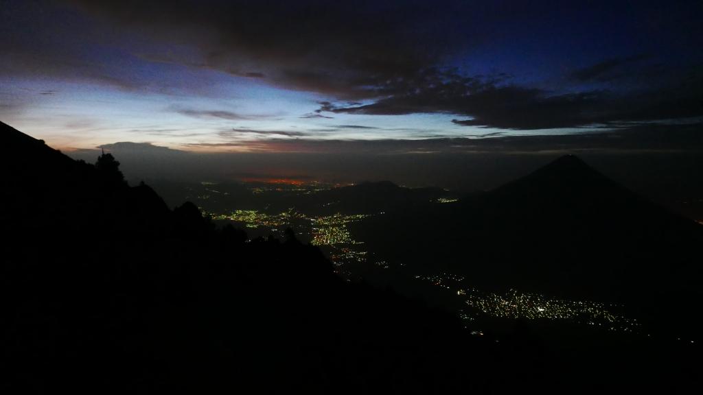 Vista de Antigua desde Volcán