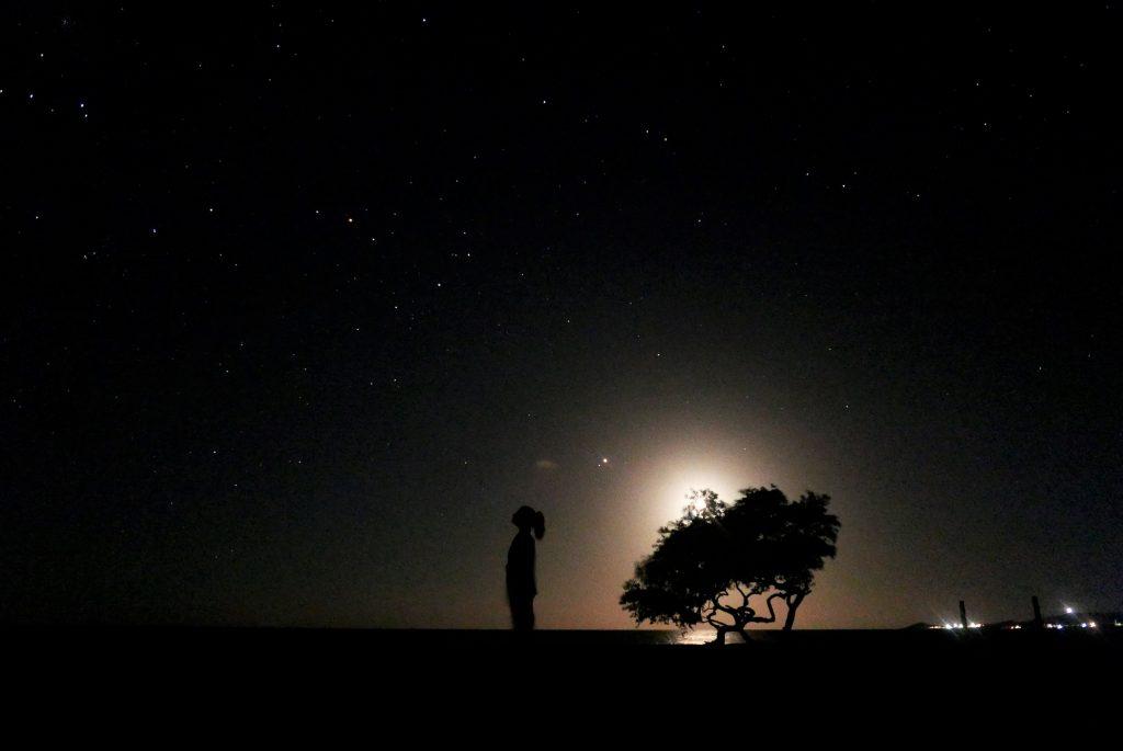 Así, mirando al cielo y contando estrellas, es como pasamos las últimas horas en Punta Gallinas antes de dormir.